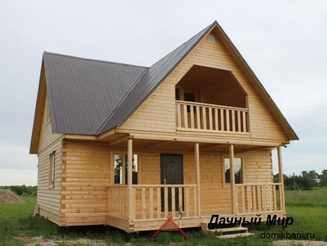 Дачный домик с балконом